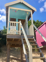 Sextons place beach hut overview